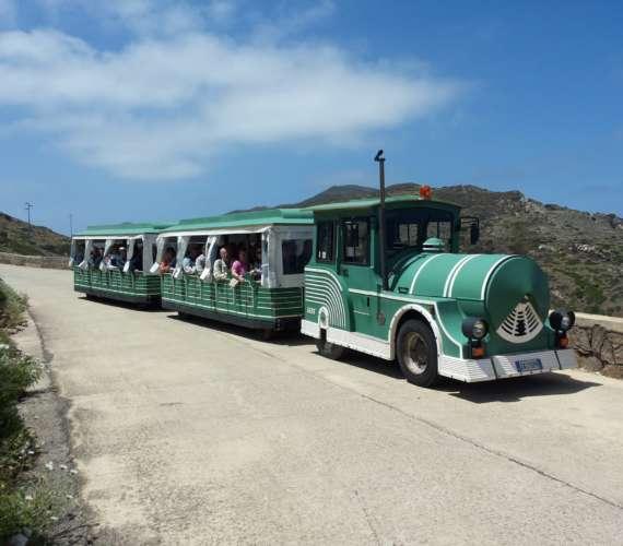 Trenino che visita l'Asinara