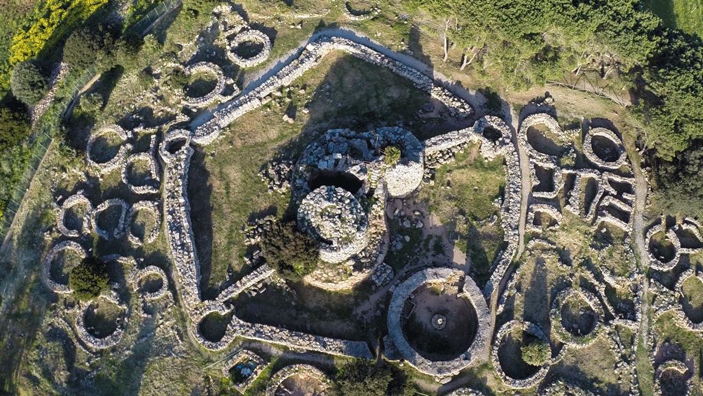 Nuraghe Palmavera e Necropoli di Anghelu Ruju